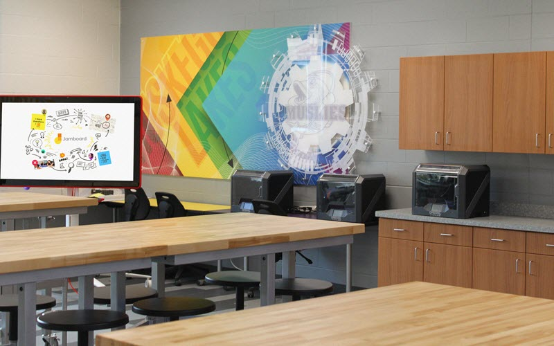 The Muskego Lakes Middle School PHab Lab was designed by Palmer Hamilton and features Tormach xsTECH desktop CNC routers